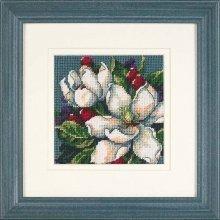 D07217 - Dimensions Mini Needlepoint - Magnolias