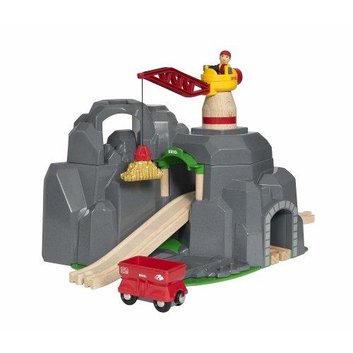 BRIO World - Crane and Mountain Tunnel